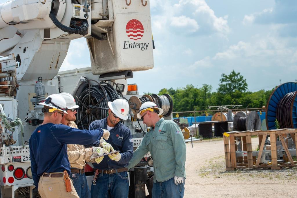 Entergy's Louisiana utilities mobilize storm team ahead of